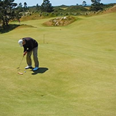 This guy just might have the best gig at Bandon Dunes