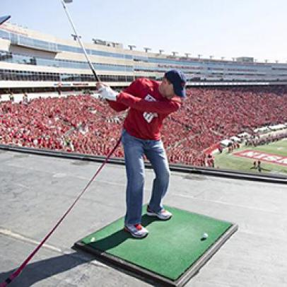 Steve Stricker hits chip shot from top of scoreboard at Wisconsin's Camp Randall Stadium