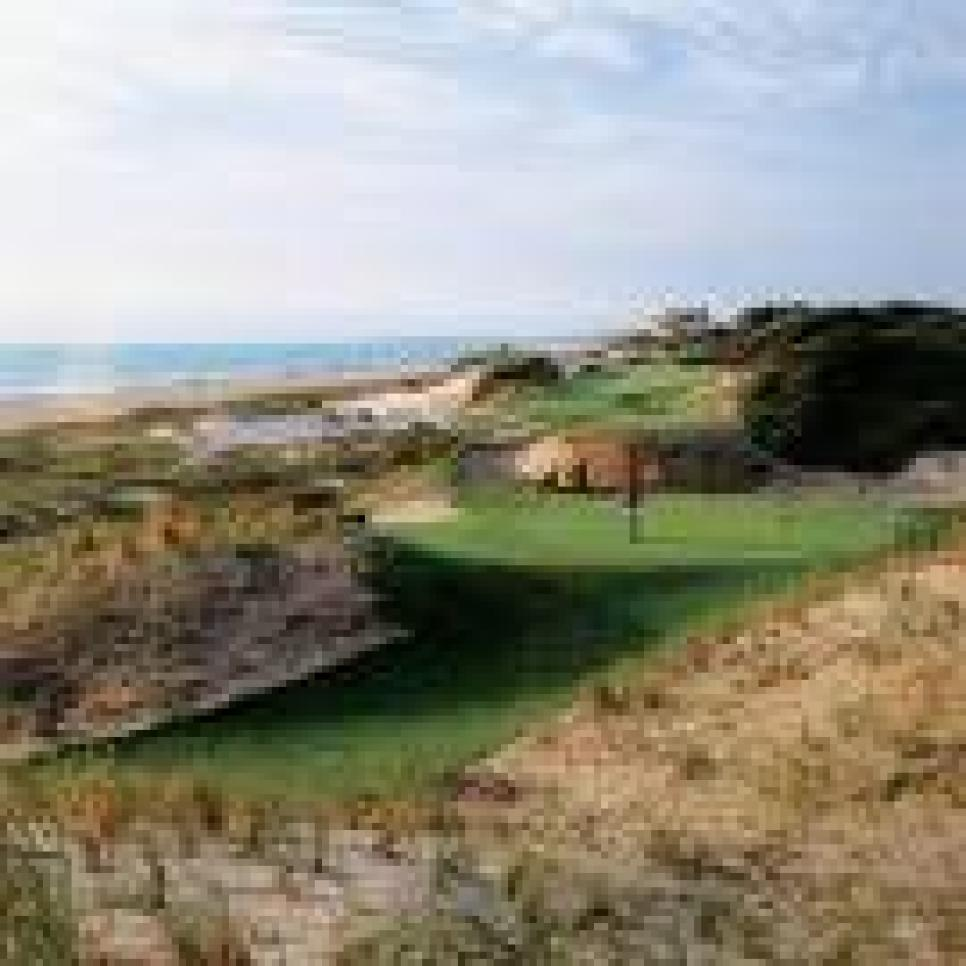 golf-courses-blogs-golf-real-estate-assets_c-2009-11-images-thumb-230x230-8301.jpg