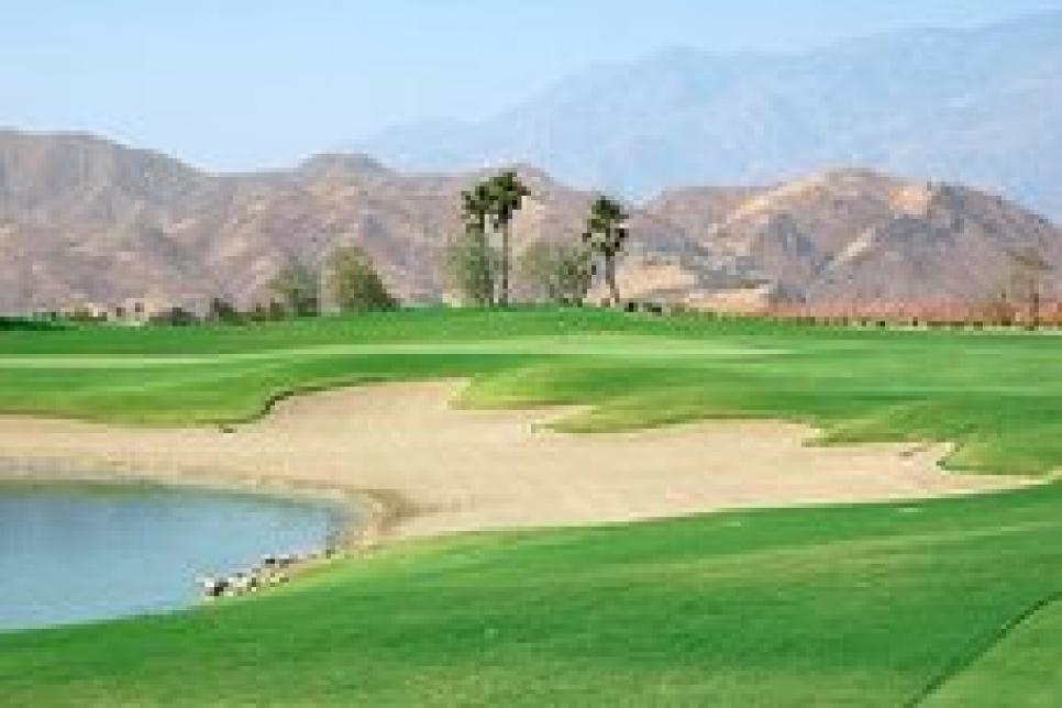 golf-courses-blogs-golf-real-estate-Escena-thumb-230x152.jpg