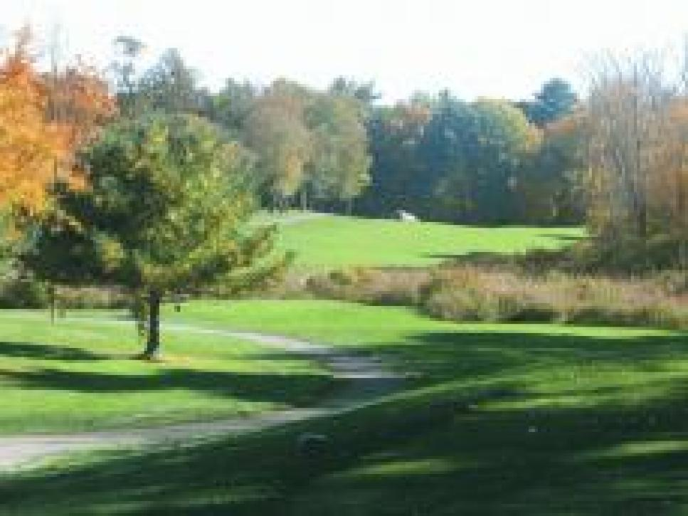 golf-courses-blogs-golf-real-estate-assets_c-2009-09-hole6-thumb-230x172-6461.jpg