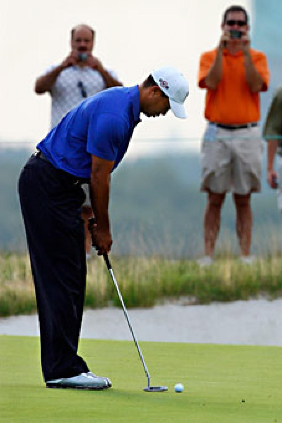 golfworld-2009-08-gwar01_090826_tiger_woods_2.jpg