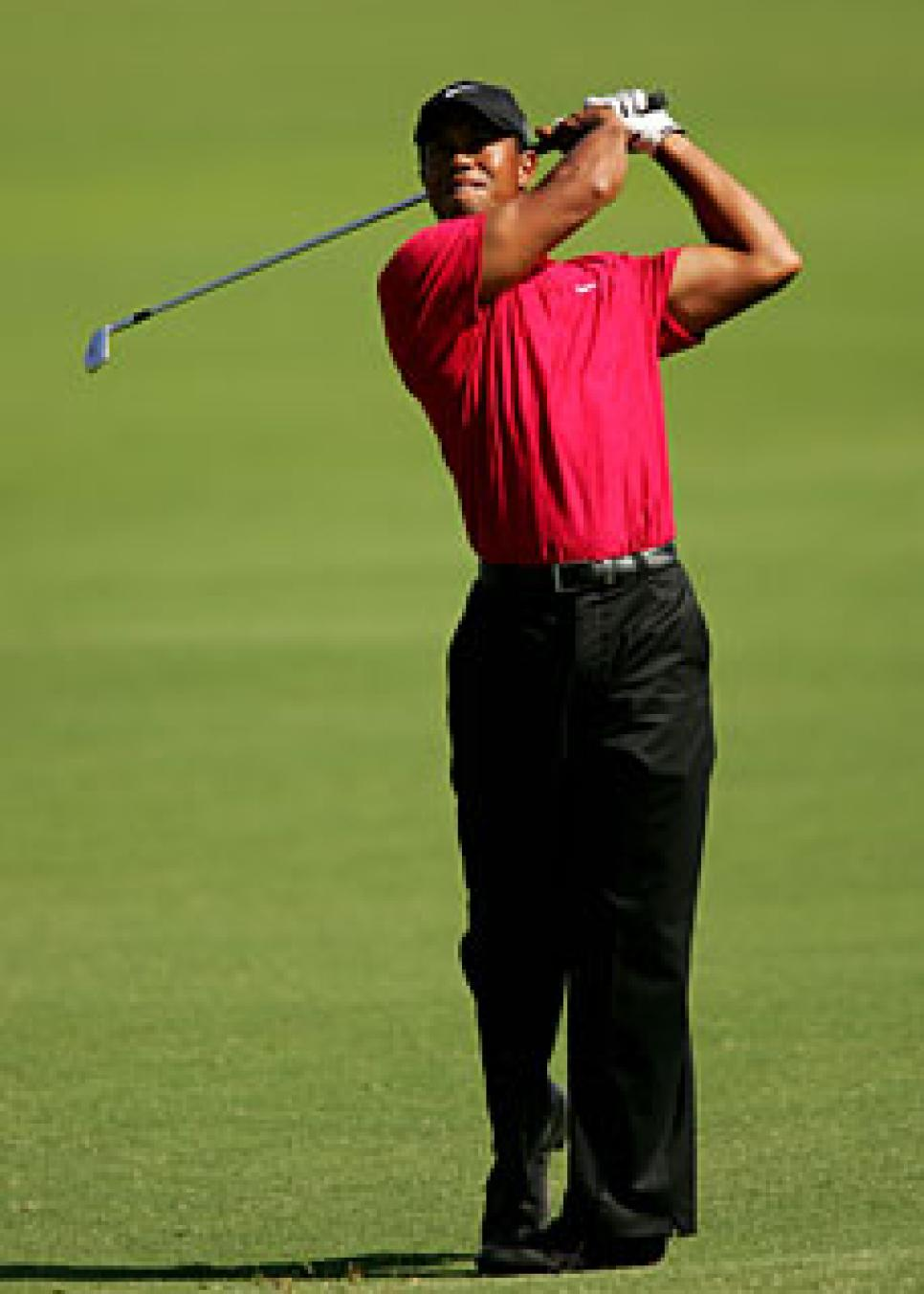 golfworld-2009-11-gwar01_tiger_1127.jpg