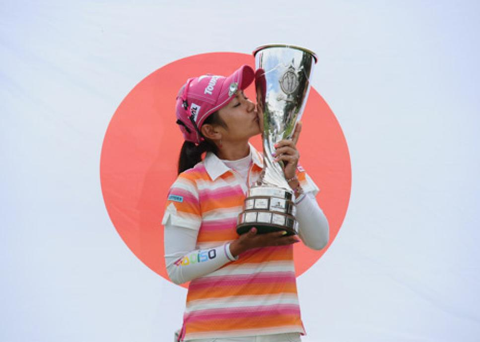 golf-digest-woman-blogs-golf-digest-woman-assets_c-2011-07-miyazato_470-thumb-470x332-39122.jpg