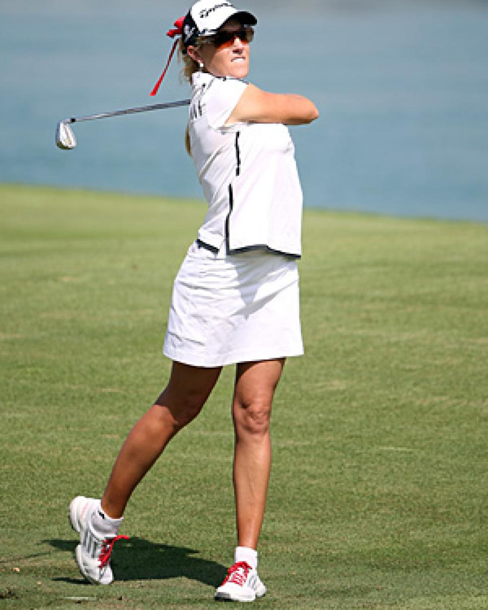 golf-digest-woman-blogs-golf-digest-woman-assets_c-2013-03-blog-natalie-gulbis-0301-thumb-300x383-91722.jpg