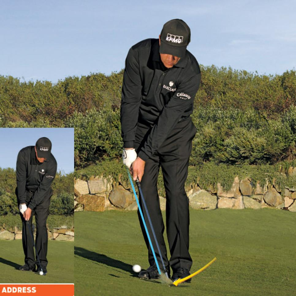 instruction-2009-12-inar04-phil-mickelson-chip-pitch.jpg