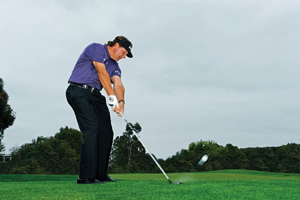 magazine-2012-06-inar01_phil_mickelson_three_tips.jpg