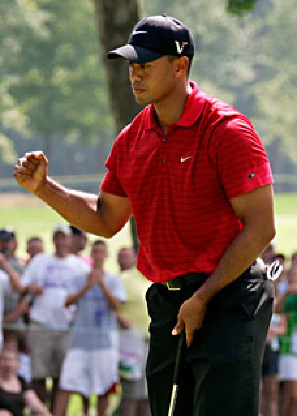 golfworld-2009-08-gwar01_090809_tiger_woods.jpg