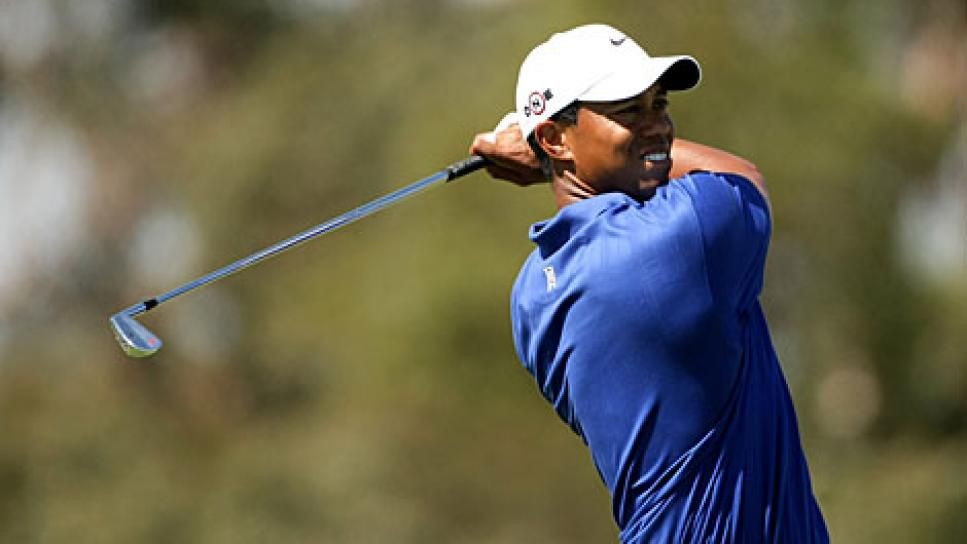 golfworld-2009-11-gwar01_1113tiger.jpg
