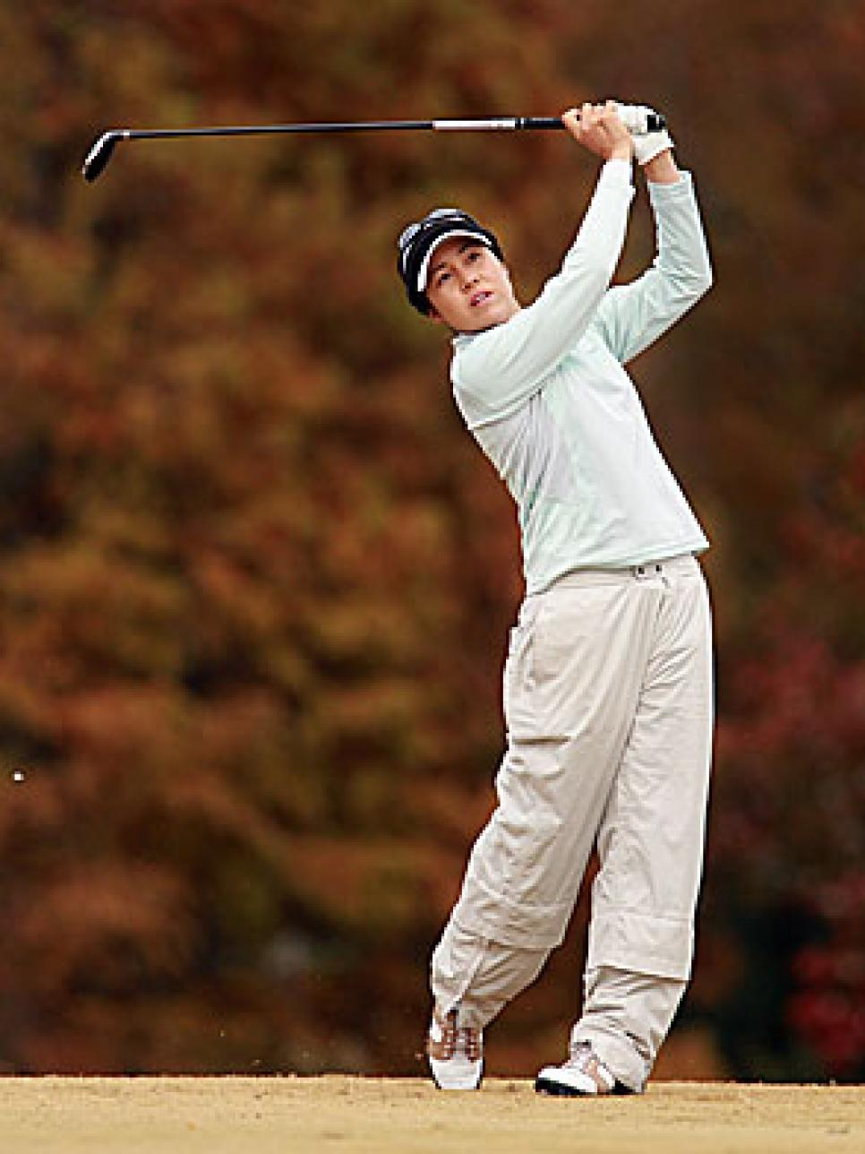 golfworld-2010-12-gwar01_song_1013.jpg