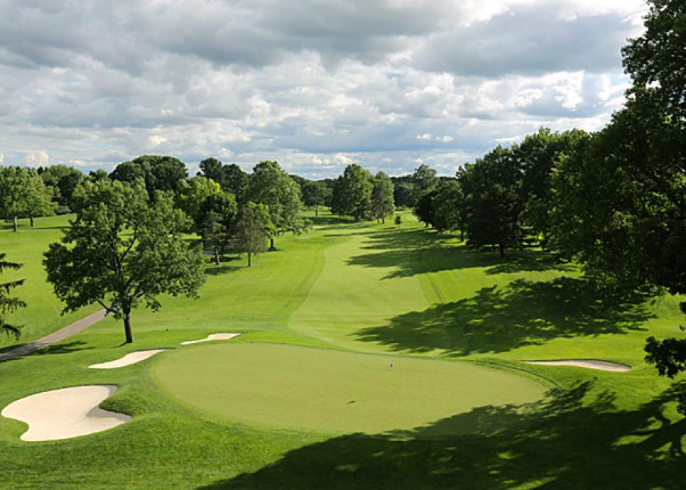 16. OAK HILL C.C. (East)
