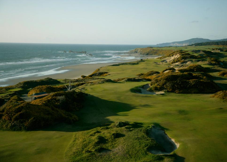 19. [Pacific Dunes](http://courses.golfdigest.com/l/33643/Bandon-Dunes-Golf-Resort-Pacific-Dunes)