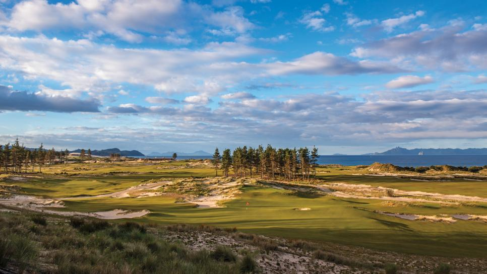 Tara-Iti-Golf-Club-New-Zealand.jpg