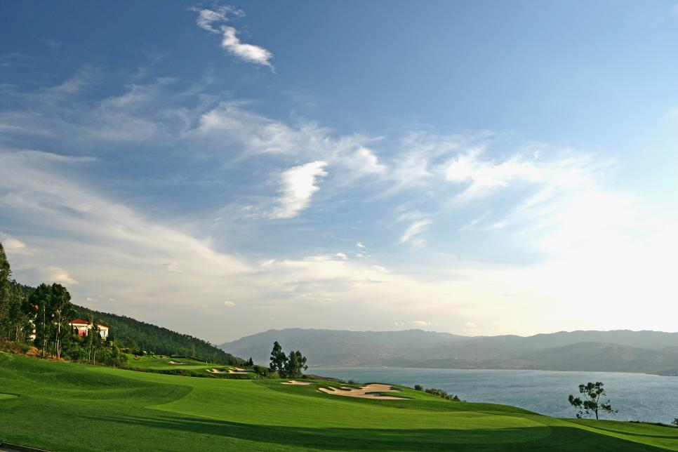china-golf-course-2.jpg