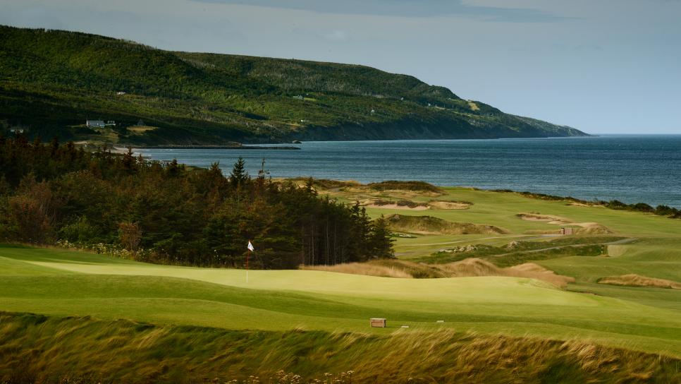 Best-New-Course-2015-Cabot-Cliffs-11-Staff.jpg