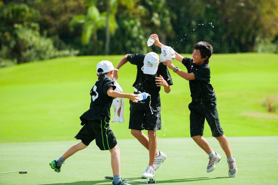 krando-nishiba-on-green-celebration-pga-jr-league-2015.jpg