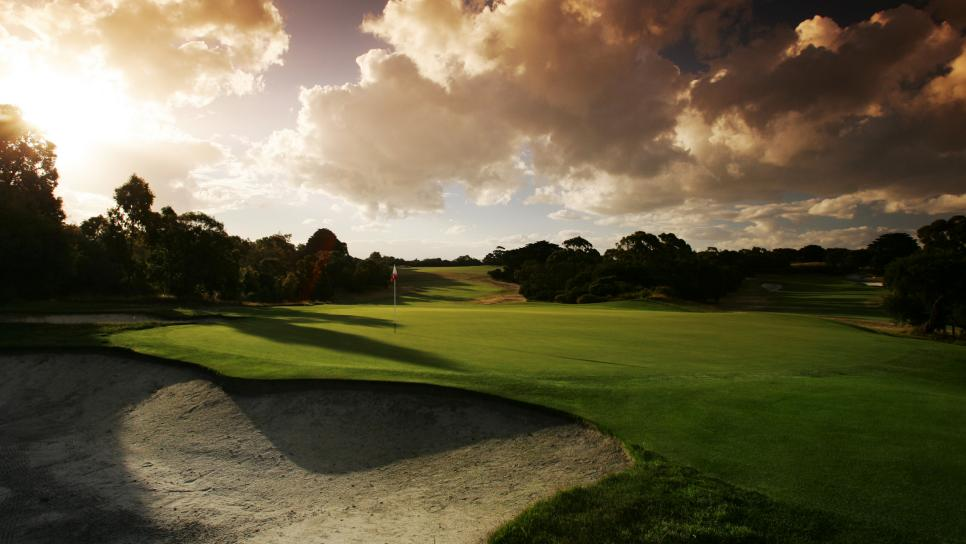 Royal-Melbourne-Golf-Club-East-Course-2-green.jpg