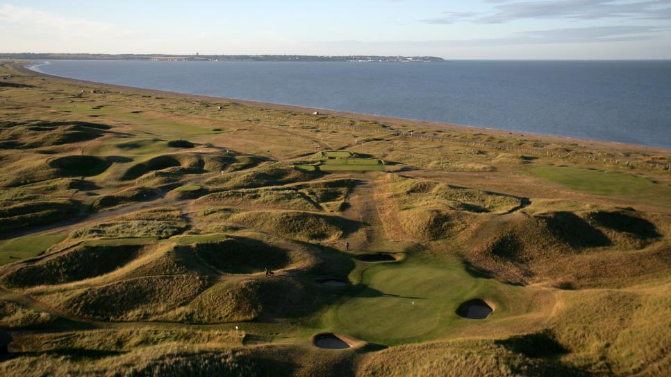 Royal-St-Georges-GC-Hole-6-Staff.jpg