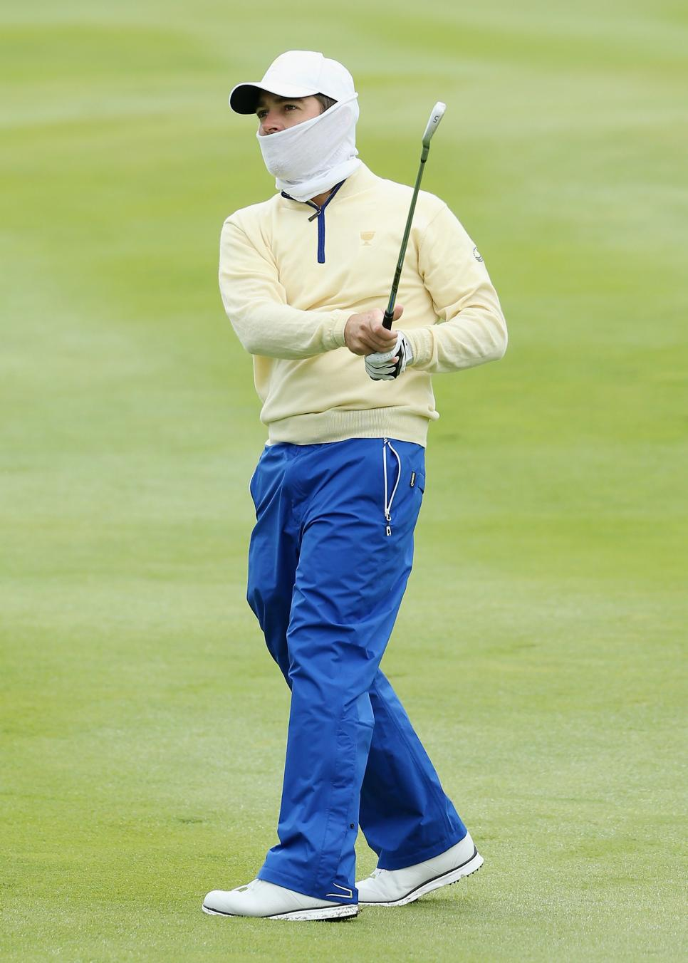Oosthuizen-cover-up.jpg