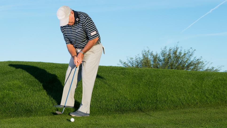Butch-harmon-putting-from-rough-collar.jpg
