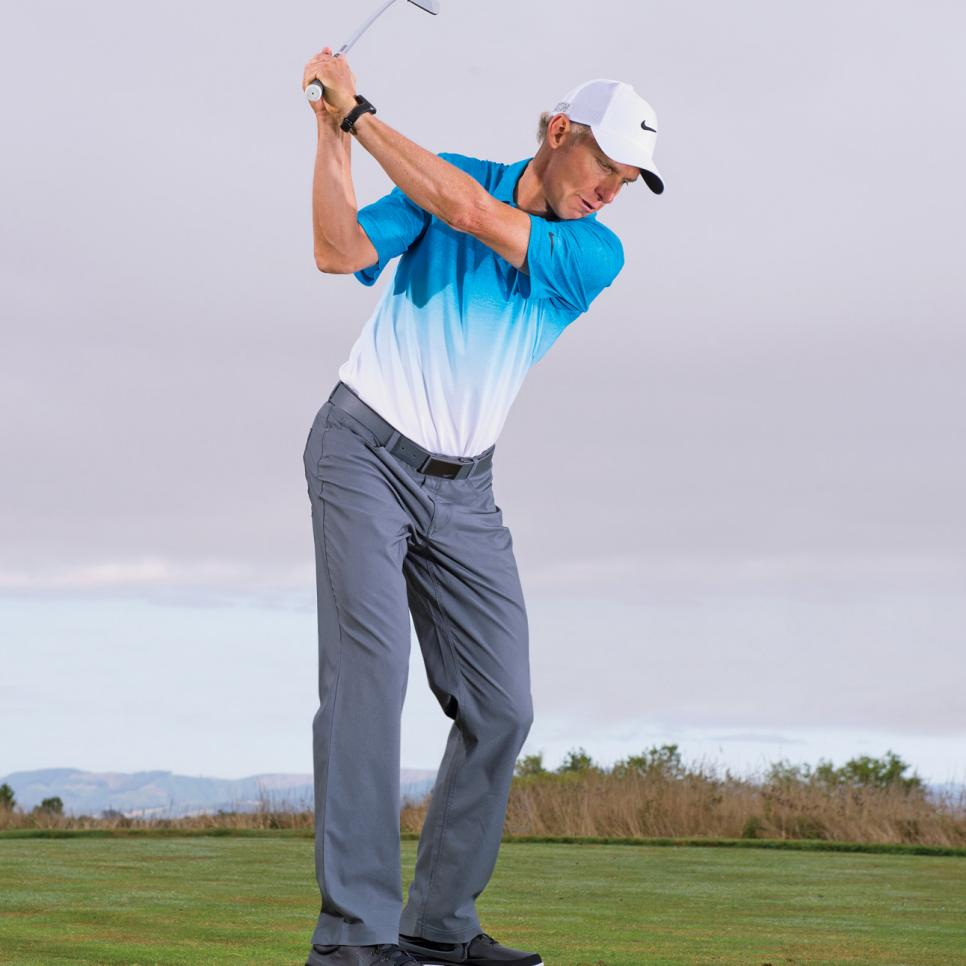 Christopher-Smith-Chipping-Downswing.jpg