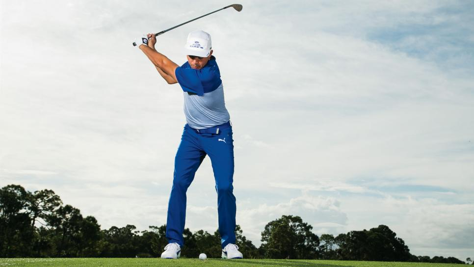 Rickie-Fowler-instruction-wedges-backswing.jpg