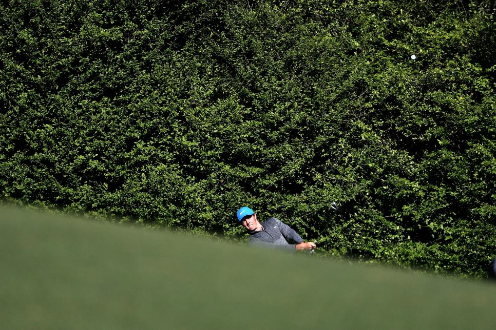 Rory-McIlroy-in-trouble.jpg
