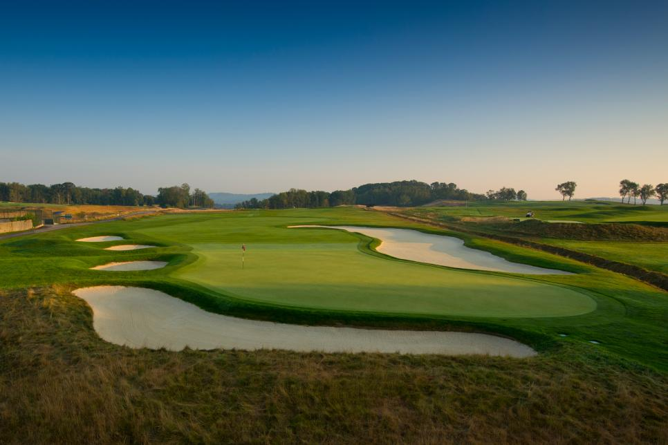 Oakmont-Country-Club-8th-hole.jpg