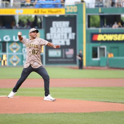 Jason Day throws out first pitch at Pirates game on Saturday