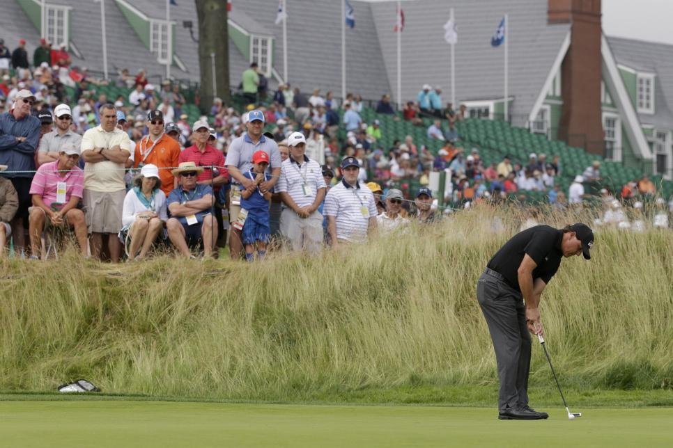 19-us-open-r1-friday-phil-mickelson.jpg