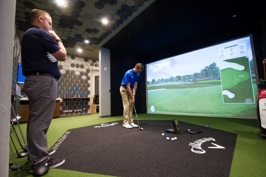For all you hardcore golfers out there, Topgolf Las Vegas has a full-service Callaway Golf fitting center (one of just 20 such fitting centers in the country).