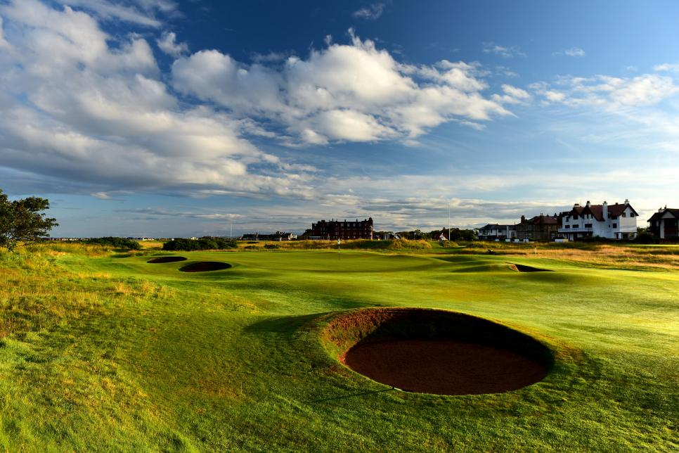 Old-Course-Royal-Troon-par-5-16-hole.jpg