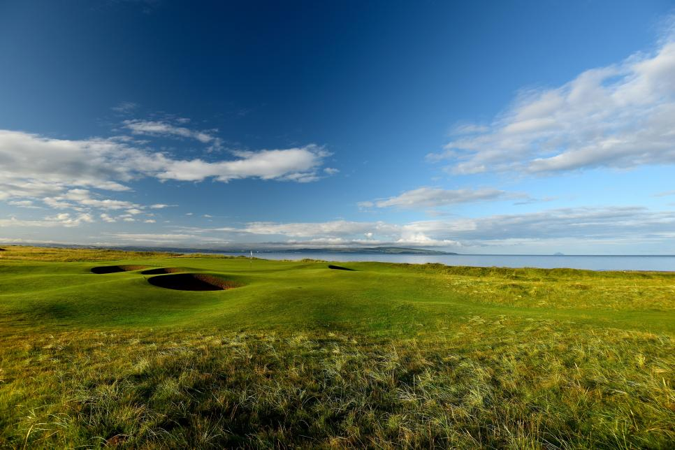Old-Course-Royal-Troon-par-3-5th-hole.jpg