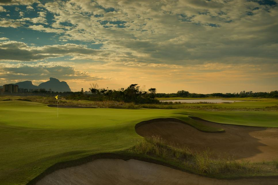 rio-olympic-golf-course-15th-hole.jpg
