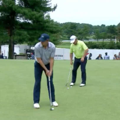 Jordan Spieth channels his inner Michael Jordan, nails a putt without looking