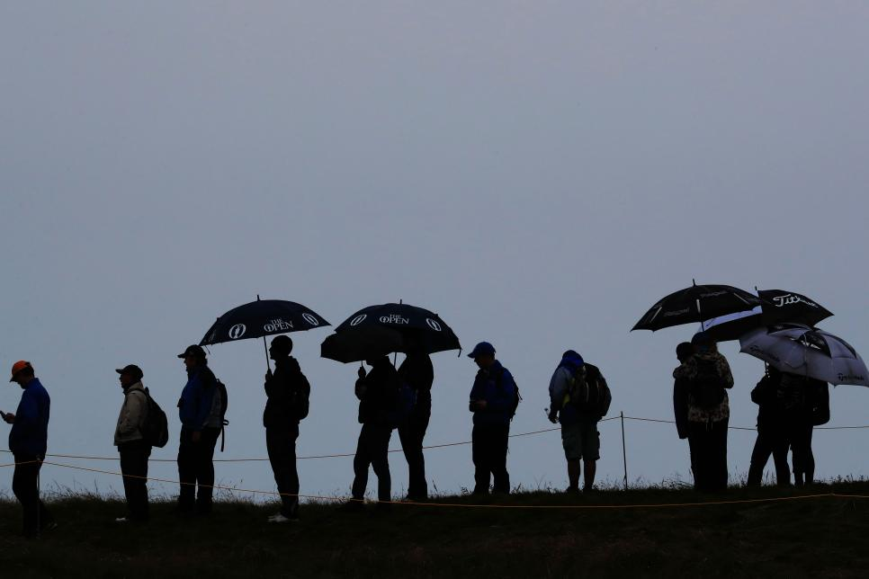british-open-spectators-umbrellas-or-not.jpg