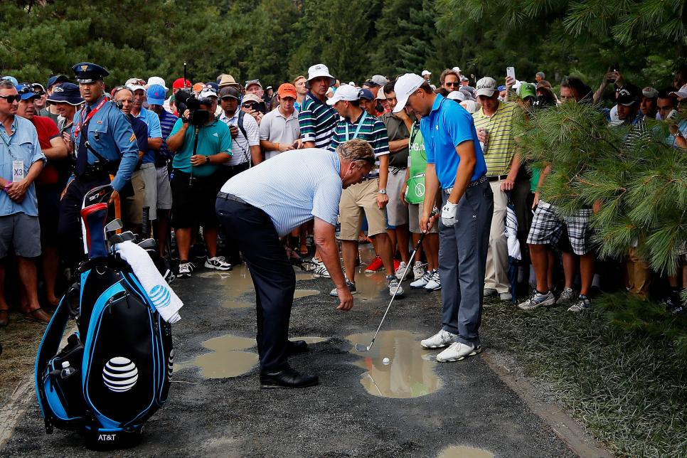 jordan-spieth-pga-championship-2016-seventh-hole-rules-drop-pubble.jpg