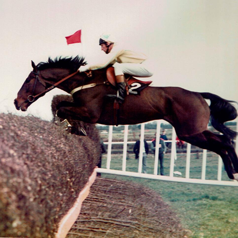 Peter-Walsh-winning-1982-Power-Gold-Cup-Chase.jpg