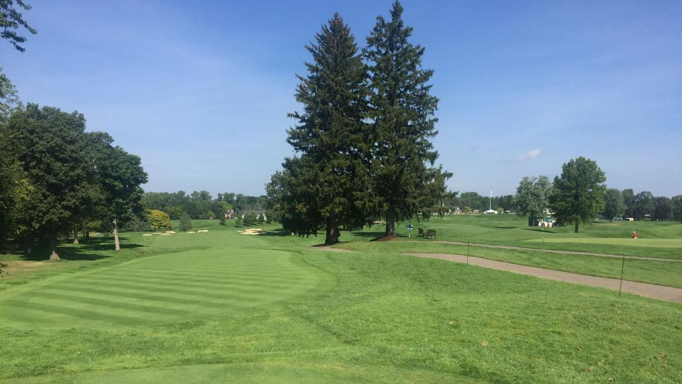 oakland-hills-18th-tee-back-10th-view.jpg