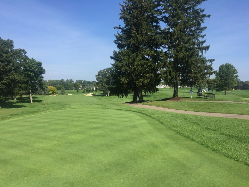 oakland-hills-18th-tee-middle-10th-view.jpg