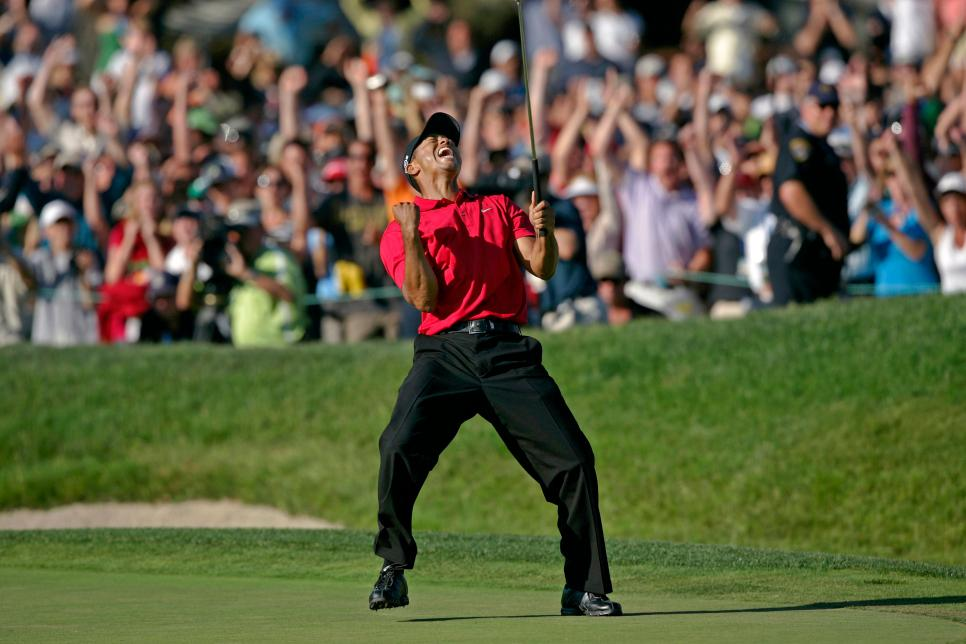 tiger-woods-2008-us-open-18th-green-roar.jpg