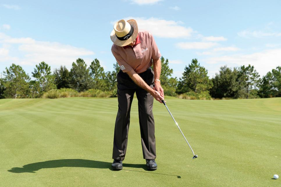 David-Leadbetter-step-by-step-putting-stroke.jpg