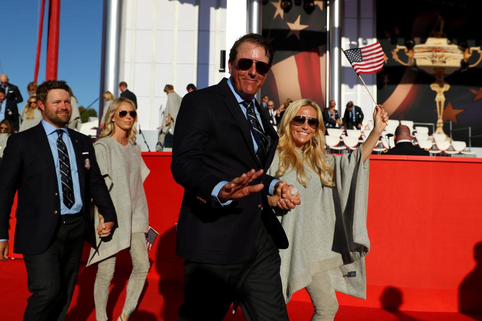 160929-phil-mickelson-amy.jpg
