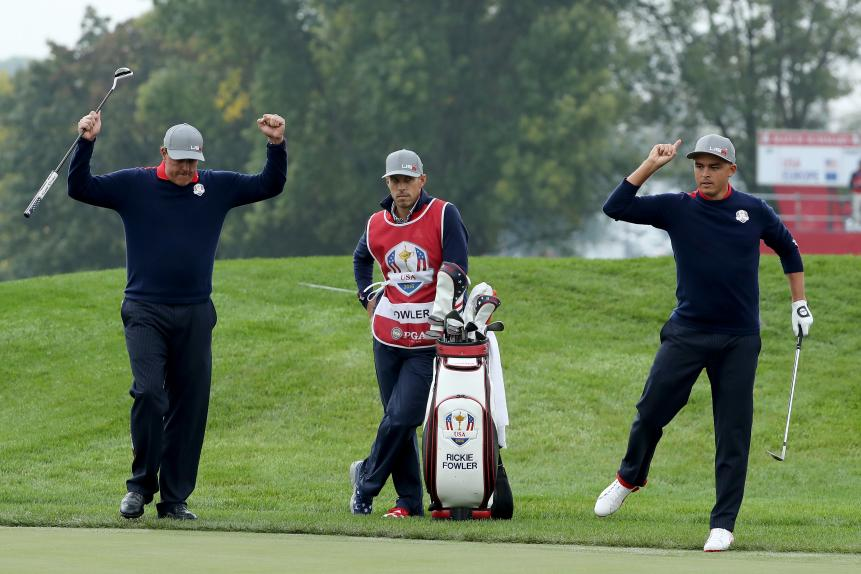 Birdie: Phil Mickelson and Rickie Fowler