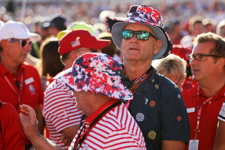 Bill Murray, the hands-down coolest cat in the world, was orchestrating American cheers