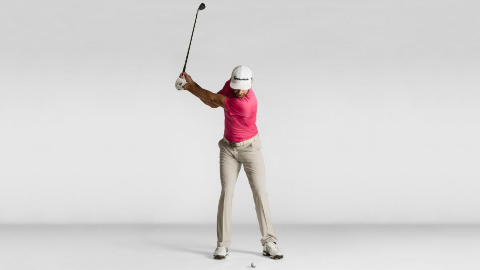 Dustin-Johnson-2-approach-shots-backswing.jpg