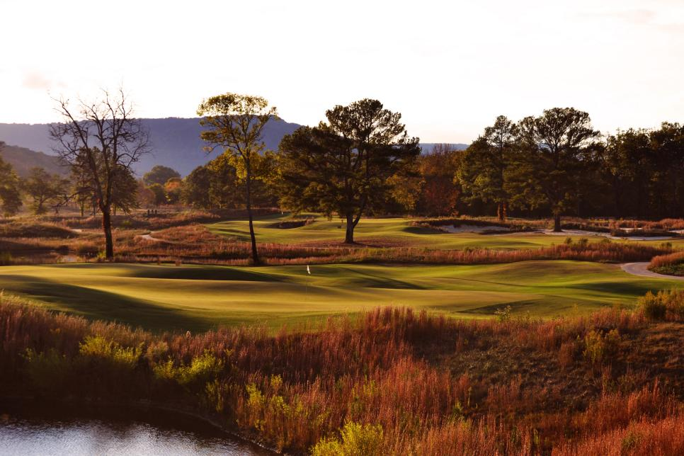 Sweetens-Cove-4th-green-5th-fairway-Rob-Collins.jpg