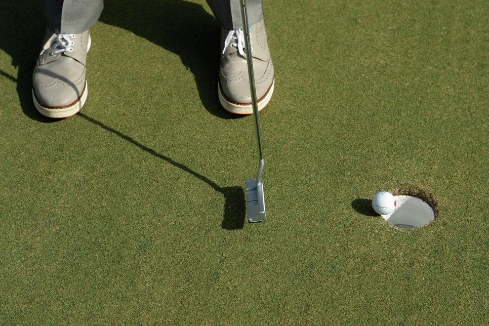David-Leadbetter-short-putts.jpg