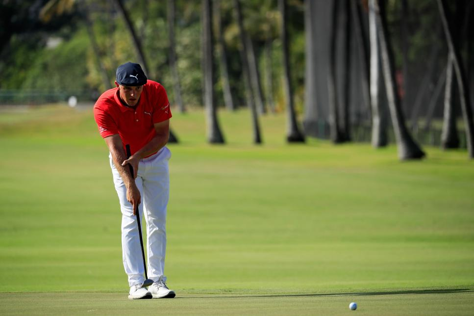 bryson-dechambeau-careerbuilder-challenge-front-on-putting.jpg
