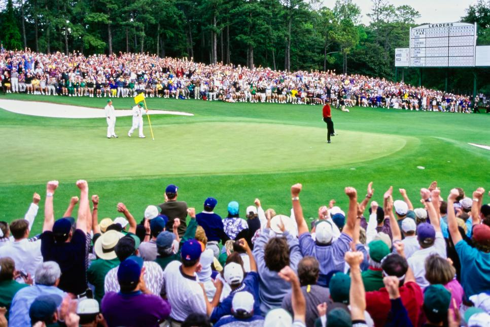 97masters-revisited-tiger-woods-18th-green-celebration-wide.jpg